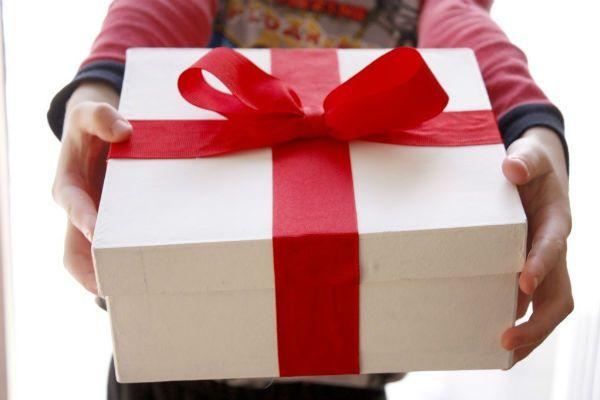 Постельное белье в подарок: традиции, приметы
