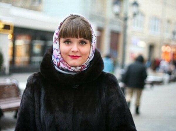 Как носить павлопосадский платок с шубой